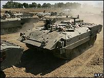 Israeli tanks mass on the border with Gaza