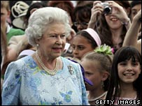 The Queen at the children's party