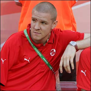 Philippe Senderos on the sidelines