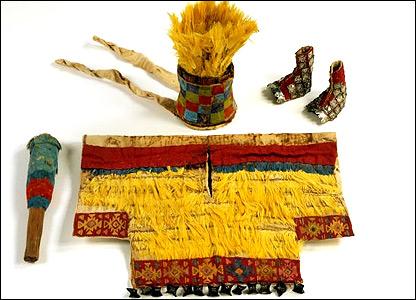 Atuendo ceremonial. Una se�al de distinci�n era el uso de plumas tropicales de selvas distantes.