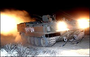 Israeli tank entering Gaza