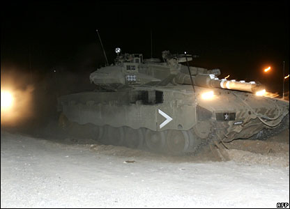 Israeli tanks enter Gaza