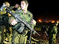 Israeli troops prepare for Gaza assault