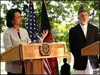 Condoleezza Rice (left) and Hamid Karzai at Kabul news conference