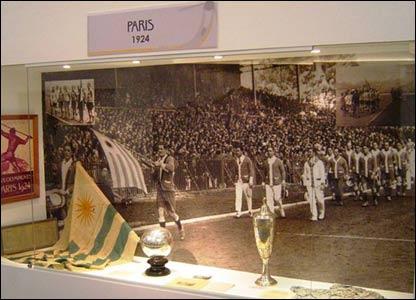 Selección uruguaya de fútbol en las Olimpíadas de París en 1924 (Foto gentileza: Museo del Fútbol de Uruguay)