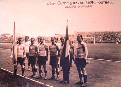 Equipo de fútbol de Uruguay ganador en las Olimpíadas de París en 1924 (Foto gentileza: Museo del Fútbol de Uruguay)