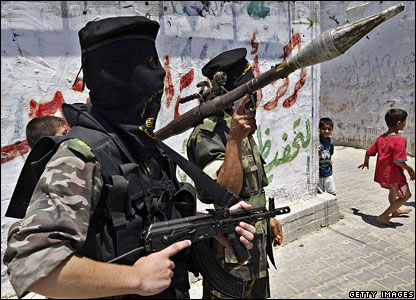 Palestinian militants prepare for a possible Israeli army ground operation in Rafah