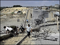 Bridge destroyed by Israeli air strike in northern Gaza