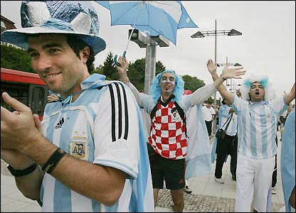 Argentina fans arrive at the stadium