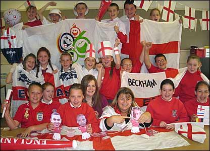 School class gets behind England