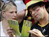 Aficionados alemanes con entradas