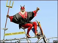 """""""El diablo del tour de Francia"""", el diseñador de bicicletas, Didi Senft."""