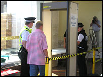 Metal detector in Largs rail station