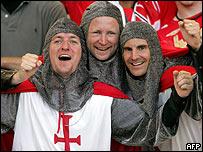La mayor parte de los aficionados ingleses contribuyeron a la fiesta en Alemania.