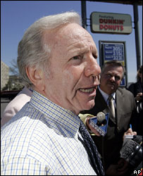 Joe Lieberman meets reporters, April 06