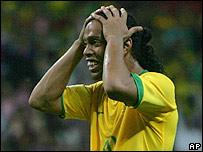 Ronaldinho desconcertado