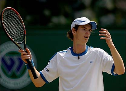 Andy Murray reacts to another wasted point