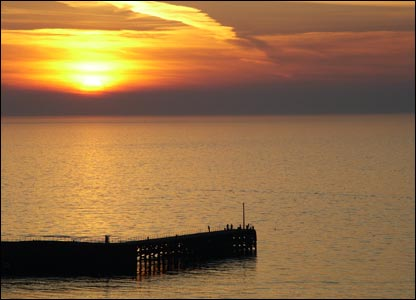 Sunset at Trefor pier (south of Caernarfon), as sent by Geoff Davis