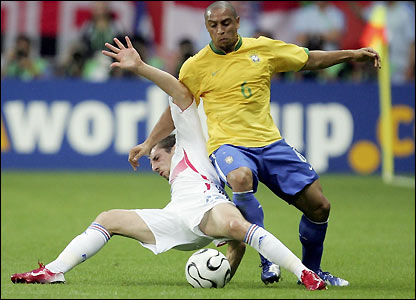 Roberto Carlos in action