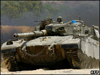 Israeli tank close to Palestinian border (4 July)