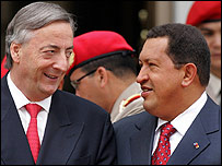 Presidentes de Argentina, Néstor Kirchner, y Venezuela, Hugo Chávez, en Caracas.