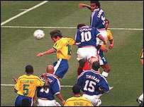 Zidane (10) nods home in the 1998 World Cup final