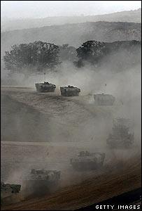 Israeli convoy on Gaza border 5 July