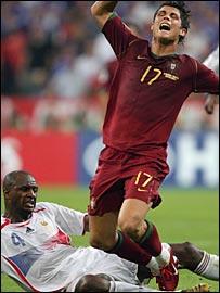 Patrick Vieira fells Ronaldo