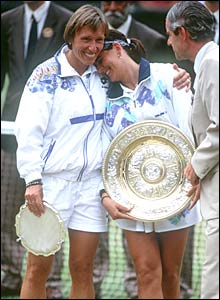 Conchita Martinez (centre) beats Navratilova in the 1994 final