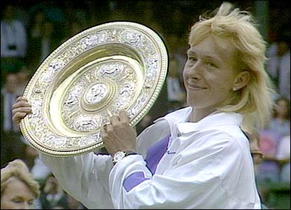 Navratilova wins her final Wimbledon title in 1990