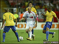 Zidane exhibió todo su repertorio para eliminar a Brasil.