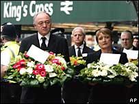 Ken Livingstone, alcalde de Londres; y Tessa Jowell, ministra de Cultura del reino Unido.