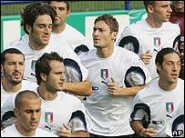 Equipo italiano entrenando.