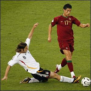 Torsten Frings tackles Cristiano Ronaldo
