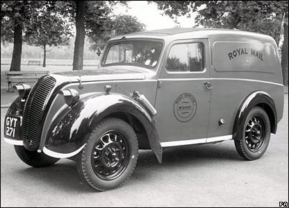 1945: a Morris Z van in wartime livery with wings and bumpers painted white to allow for greater visibility