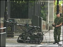 Army bomb disposal team in Newcastle