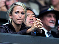 Lleyton Hewitt's wife Bec Cartwright enjoys the tennis alongside Honorary Steward David Spearing