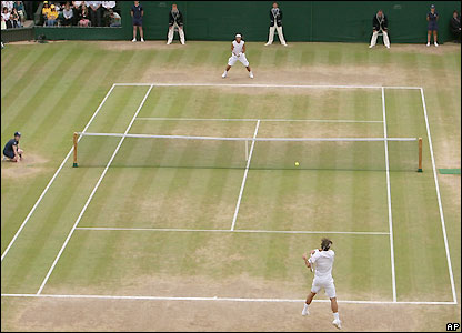 Federer and Nadal entertain Centre Court