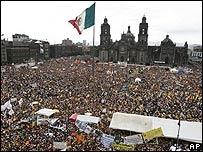 Acto de apoyo a López Obrador en la plaza del Zócalo