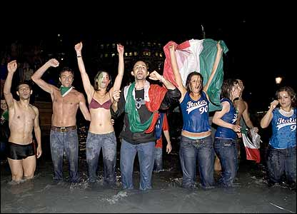Italians celebrate in Trafalgar Square