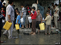 Water distribution point in Khan Younis