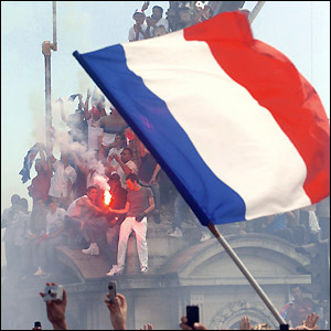 France fans party on the Place de la Concorde