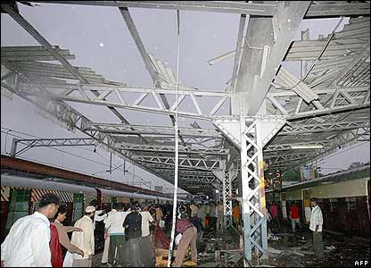 Damage at Mahim station