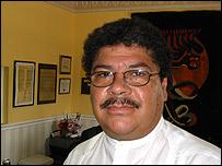 Pastor Enrique Pacheco, dirigente del Centro de Orientación del Inmigrante