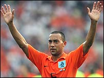 Denny Landzaat in action for Holland at the World Cup