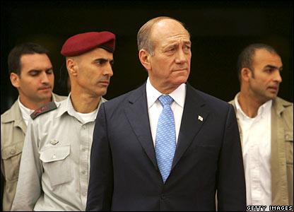 Israeli PM Ehud Olmert (foreground)