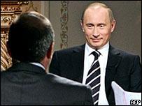 Владимир Путин во время одного из интервью