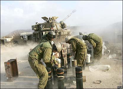 Israeli artillery troops in southern Lebanon