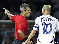 Elizondo expulsa a Zidane