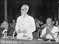 Le Duan (right) with Ho Chi Minh